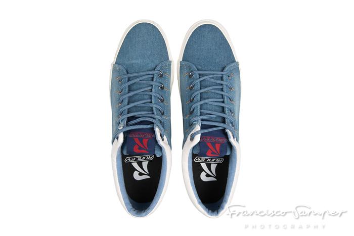 runley fotografia de zapatillas deporte producto elche alicante